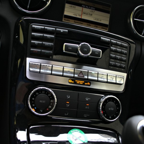 R172-019 :: Zierblende Schalterleiste