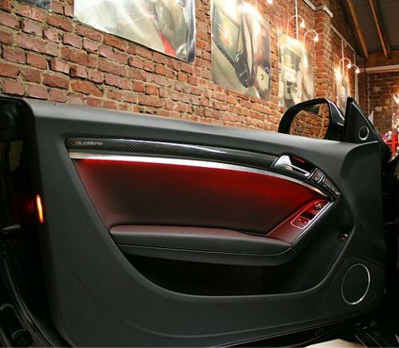 2 Door Trims with ambiance lighting Coupe/Cabrio