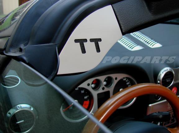2 Zierblenden für den Windschutzscheibenrahmen mit TT Logo