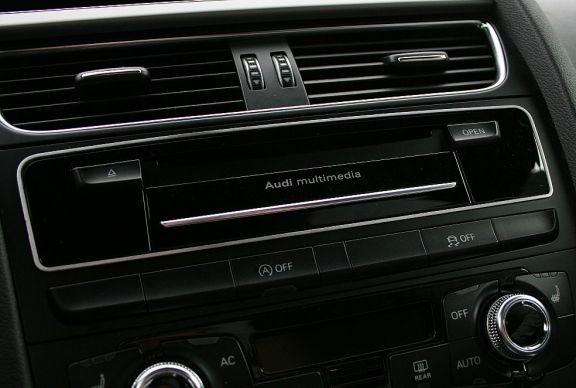 1 Aluminium Zierrahmen CD-Wechsler o. Multimediaschacht FL 2012
