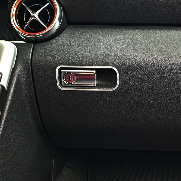 frame glove box